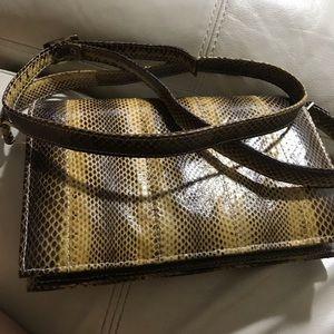 Handbags - Beautiful real leather bag